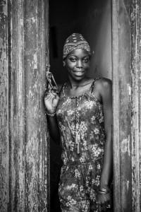 ragazza-di-afro-ritratto-bella-cubana-127454787